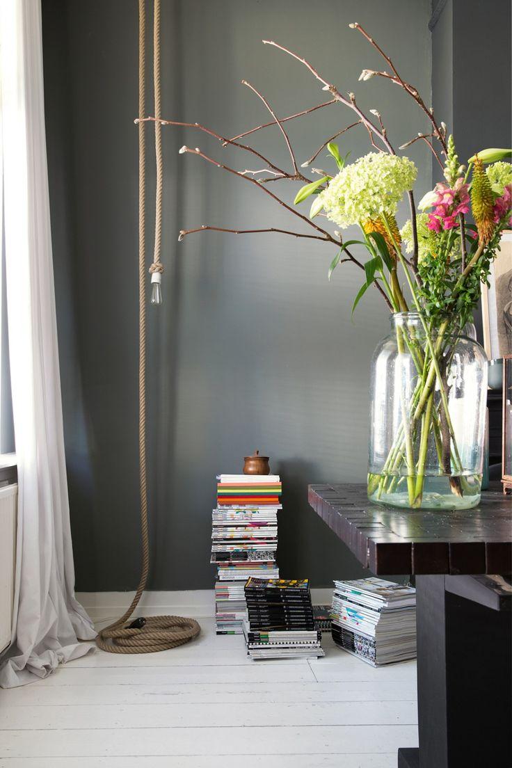 Lente takken in mooie vazen   interieur insider