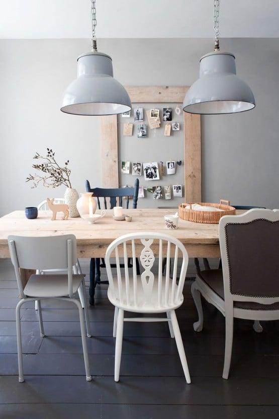 Eettafel-met-verschillende-stoelen