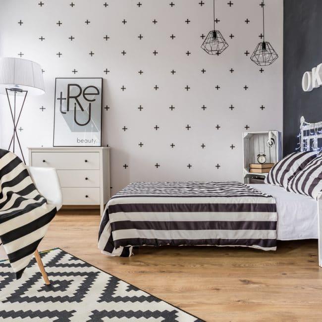 https://www.interiorinsider.nl/wp-content/uploads/Zwart-wit-slaapkamer-650x650.jpg