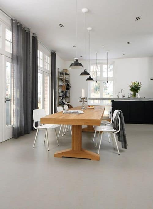 betonlook marmoleum woonkamer