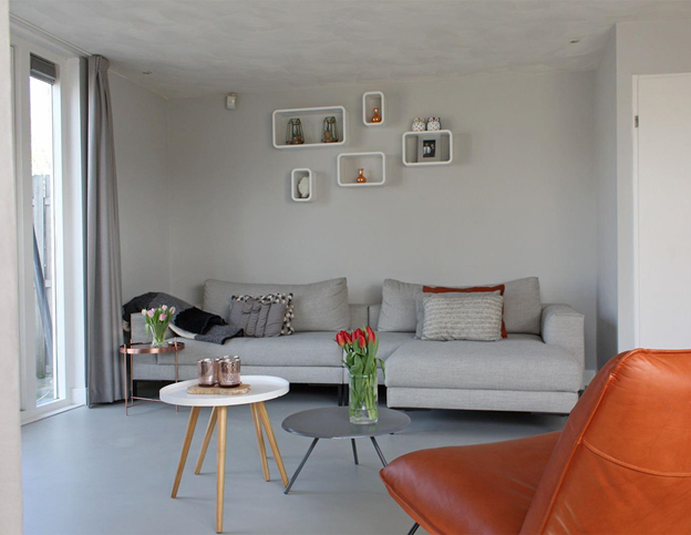 https://www.interiorinsider.nl/wp-content/uploads/gietvloer-woonkamer.png