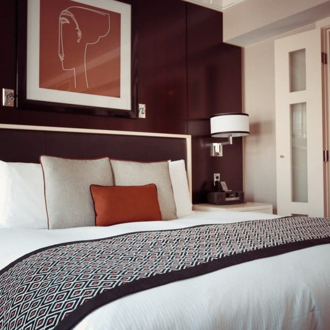 Paarse slaapkamer ideeen