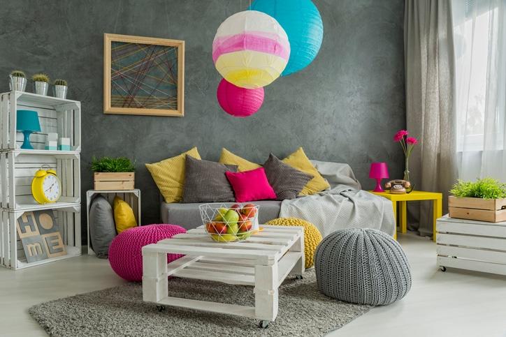 woonkamer druk kleur accenten
